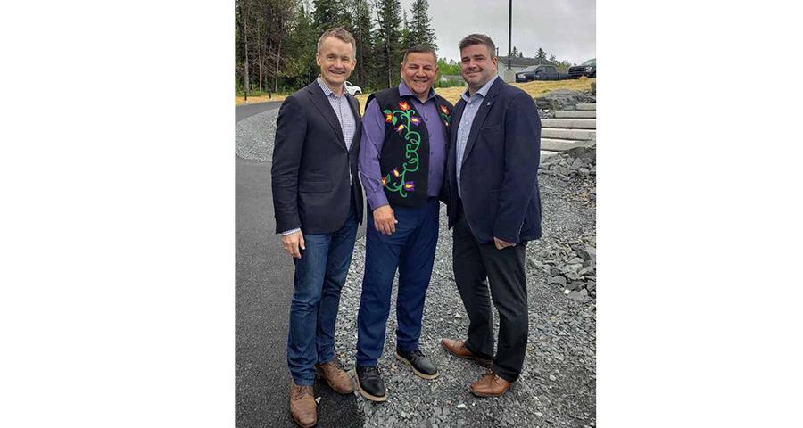 Minister Seamus O'Regan, Chief Atwin, Ryan Dunbar