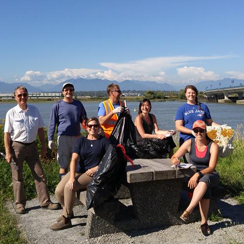 Vancouver Shoreline Cleanup crew